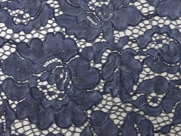 Spitze Batik